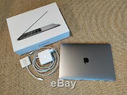 A saisir MacBook Pro, gris sideral, 13,3 pouces, Intel Core I5 2,3Ghz, Avril 2018