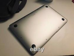 Apple MacBook Air 11,6 (128Go SSD, Intel Core i5 5ème Génération, 1,6 GHz, 4Go)