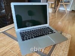 Apple MacBook Air 13 (128Go SSD, Intel Core i5 5e Génération, 2,7GHz, 8Go)