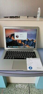 Apple MacBook Air 13,3 (Intel Core i5 3ème Gén, 1,8 GHz, 128 Go, 4 Go RAM)