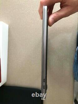 Apple MacBook Pro 13,3 (256Go SSD, Intel Core i5 8ème Gén, 2,30 GHz, 8Go)