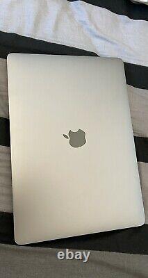 Apple MacBook Pro 13,3 (Intel Core i5, 2,9 GHz, 256 Go, 8 Go RAM)