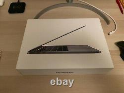 Apple MacBook Pro 13,3 (Intel Core i5 8ème Gén, 2,4 GHz, 256 Go, 8 Go RAM)