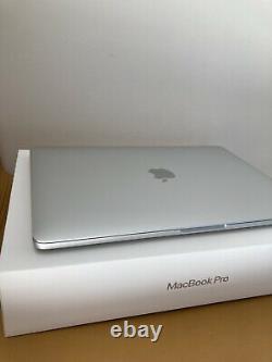 Apple MacBook Pro 13 Touch Bar, 256Go, Intel Core i5, Quadricur 1,4GHz, Argent