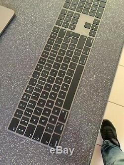 Apple MacBook Pro 15.4'' (256Go SSD, Intel Core i7 2.2GHz, 16 DDR4) + accesoires