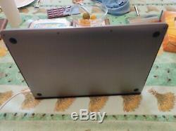 Apple MacBook Pro 15,4 (256Go SSD, Intel Core i7 9ème Gén, 2,60 GHz, 16Go)