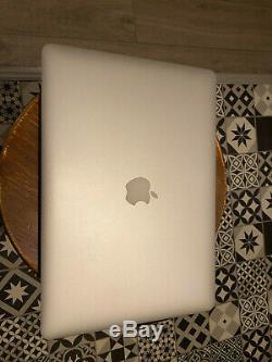 Apple MacBook Pro 15,4 256 Go SSD Intel Core i7 4ème Gén, 2,2 GHz 16go mi-2014