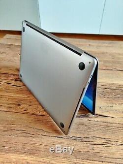 Apple MacBook Pro Touch Bar 13 / Intel Core i7 3,3 GHz/ 16 Go / 256 GB SSD